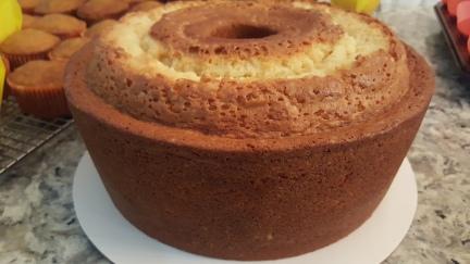 PEACH BRANDY POUND CAKE